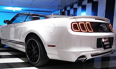 Ford Mustang V6 Premium descapotable Roush, 2013.