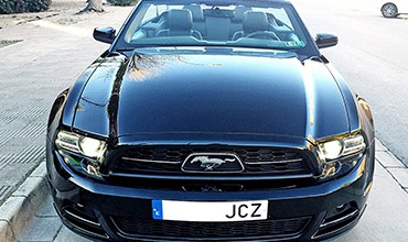 Ford Mustang V6 Cabrio, Pony Package, año 2013.