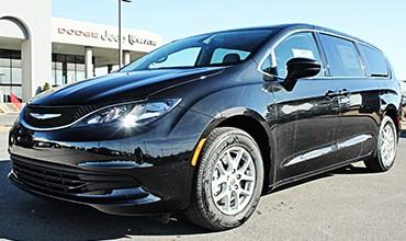 Chrysler Pacifica LX 2017, A estrenar. 43.950€
